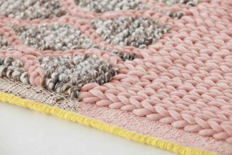 detail 1 pink-rhombus rug