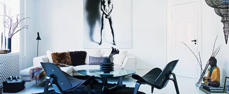 b&w living room