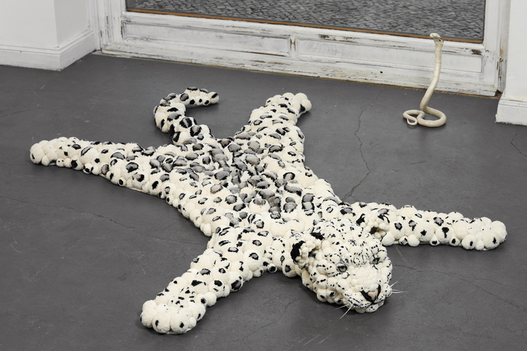 MYK-Berlin snow leopard carpet