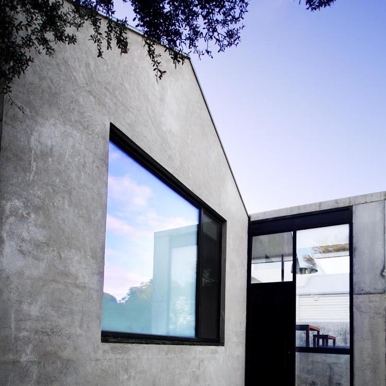 Concrete House Bellarine Peninsula, exterior lines